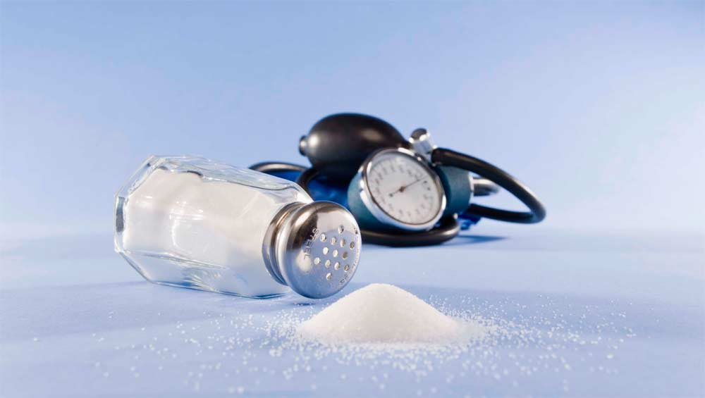 В Украине на высшем уровне признали проблему высокой смертности от избытка соли